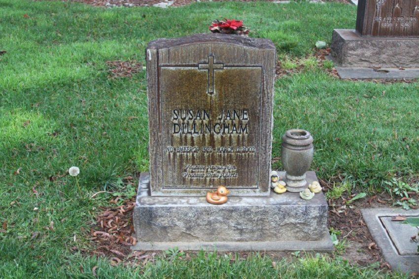 Samantha Lewes Grave