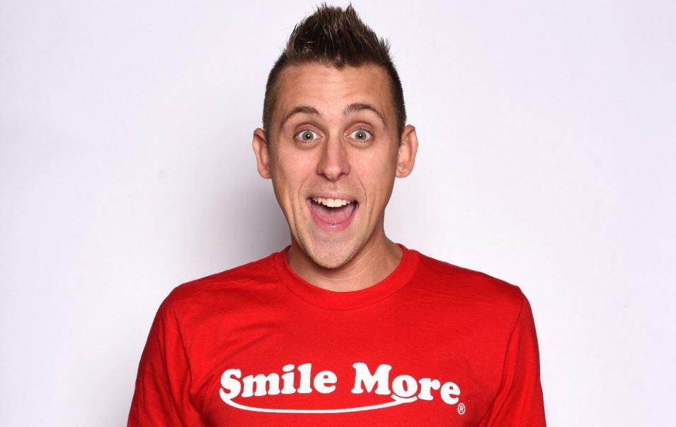 romanatwood smile more store