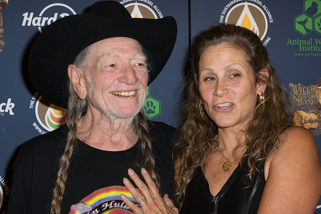 Willie Nelson Net Worth >> Annie D Angelo: Fourth Wife of Willie Nelson, Age, Net ...