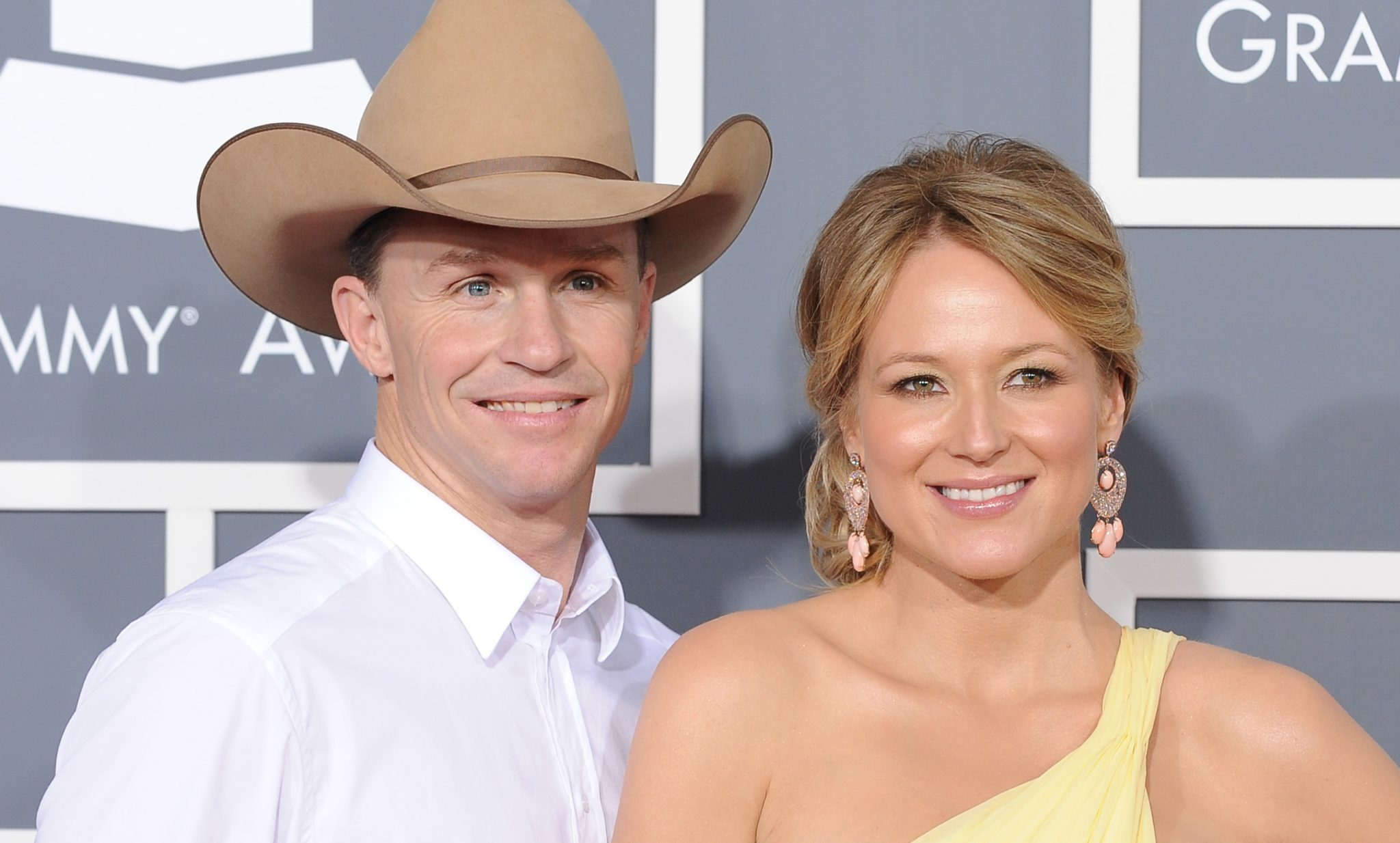 Jewel Kilcher: Who Is Dating After Divorced from Ty Murray? Check Her Age, Bio, Net Worth