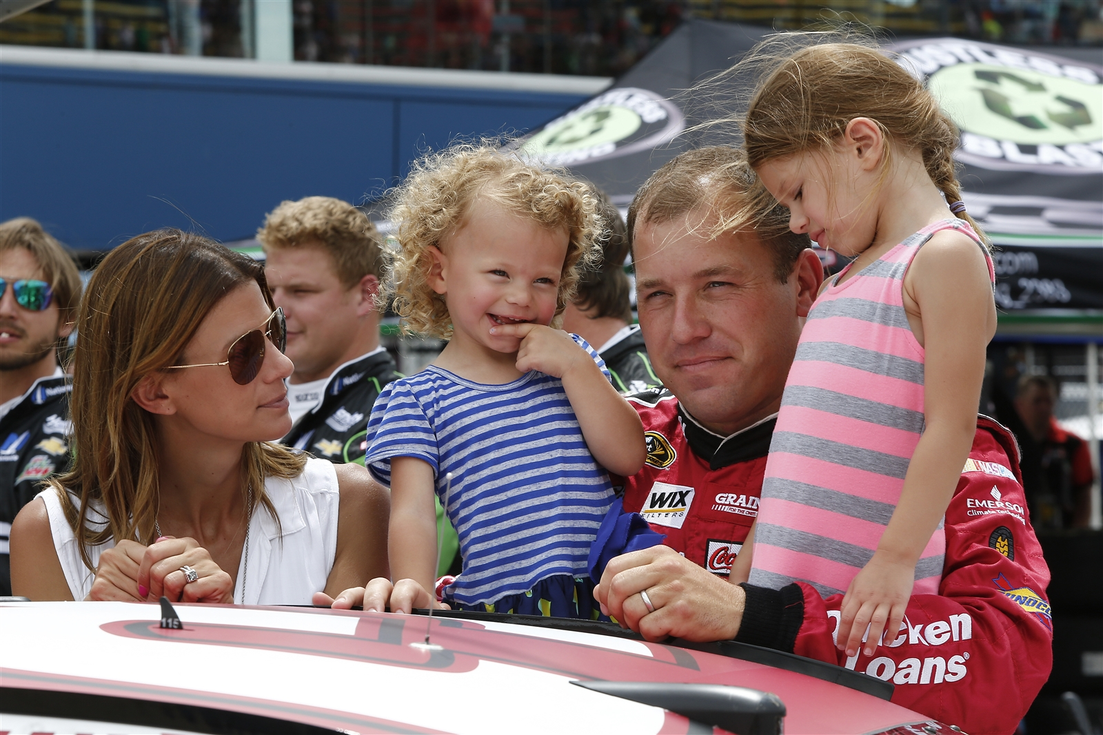 Rayn-Newman-with-his-wife-and-daughters