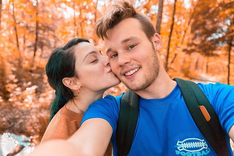 niki singles dating
