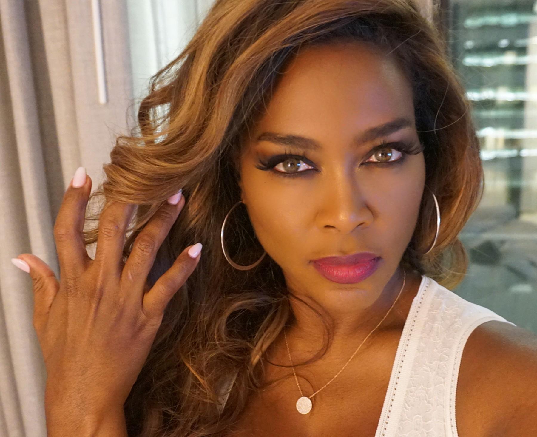 Kenya Moore How Much Does She Earn Know Her Age Husband Kids Bio Celeb Tattler
