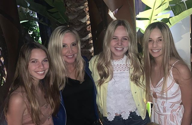 Shannon with her daughters