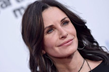 She is widely known as Monica Geller from the NBC sitcom F.R.I.E.N.D.S.
