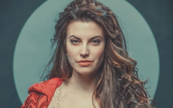 Meghan Ory Bio Age Height Child Husband Pregnant Instagram