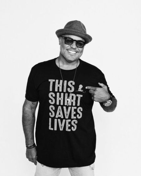 Israel Houghton age