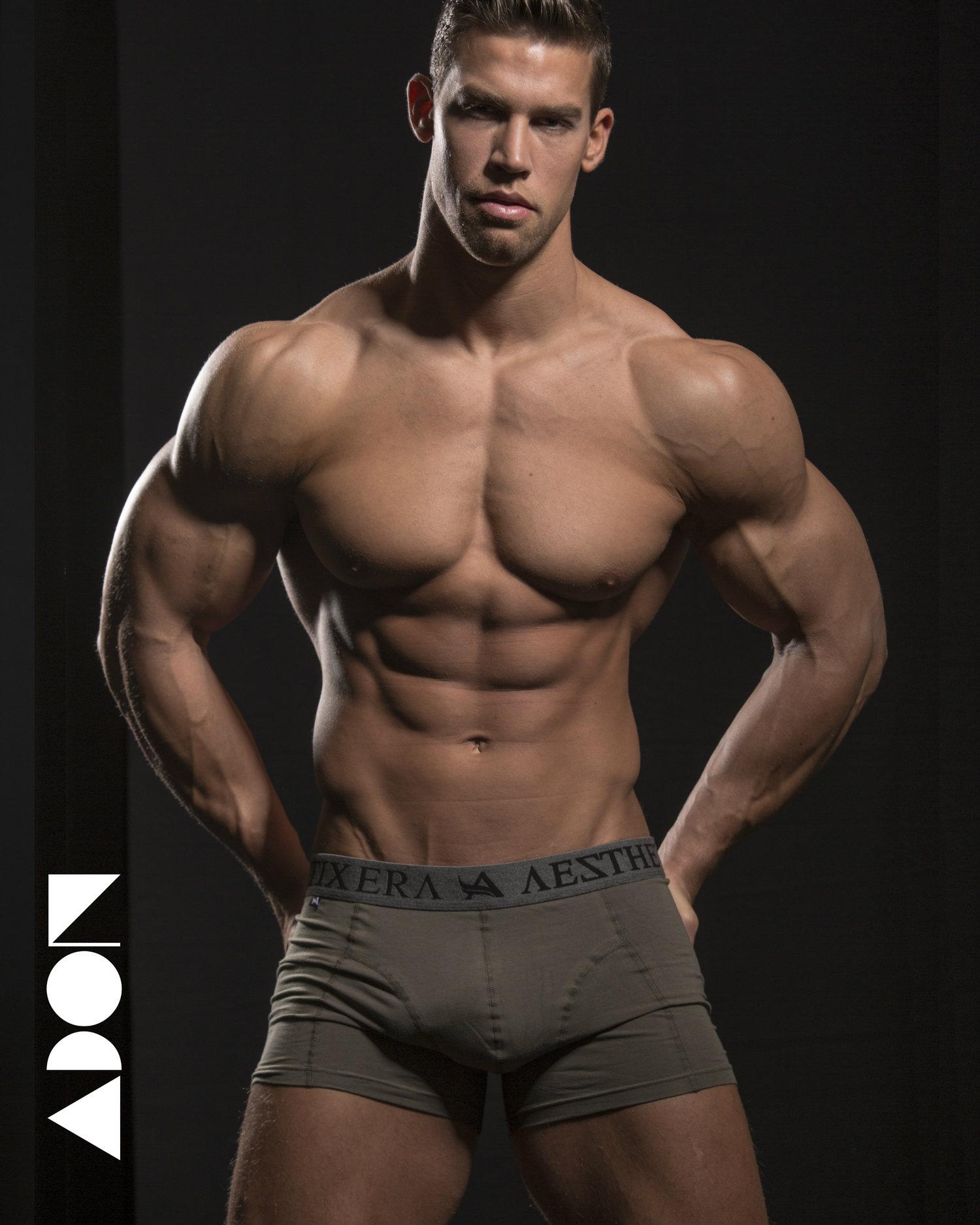 CSABA SZIGETI Model and bodybuilder